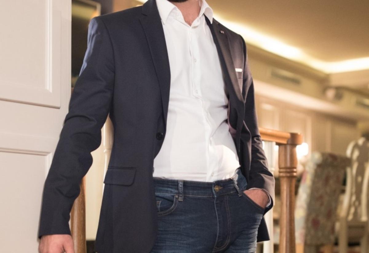 «Όλοι νομίζουν ότι είμαι 1.40! Μοιάζω με ψηλό νάνο στην τηλεόραση» | Newsit.gr
