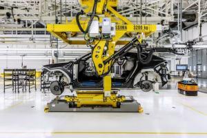 Επίσκεψη στο νέο εργοστάσιο της Lamborghini [pics]