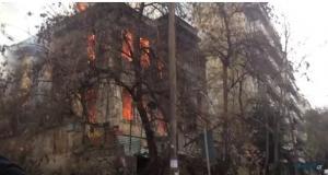 Συλλαλητήριο: Κόλαση φωτιάς στη Θεσσαλονίκη – Στις φλόγες υπό κατάληψη κτίριο [pics]