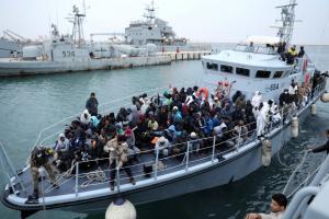 Νέο θρίλερ στη Μεσόγειο: Αγνοούνται 100 μετανάστες μετά από ναυάγιο!