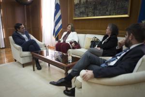 Συνάντηση Τσίπρα – Μεγαλοοικονόμου μετά την… μεταγραφή της στον ΣΥΡΙΖΑ [pics]