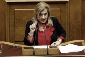 Στον ΣΥΡΙΖΑ η Μεγαλοοικονόμου μετά από το «ναι» στο πολυνομοσχέδιο