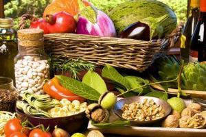 Μεσογειακή διατροφή και άσκηση προστατεύουν από τον καρκίνο
