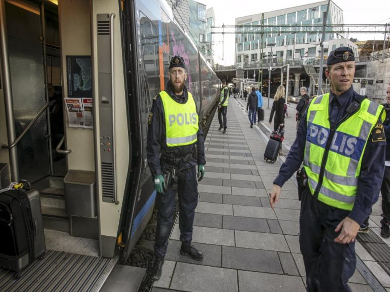 Επίθεση με χειροβομβίδα σε αστυνομικό τμήμα του Μάλμε | Newsit.gr