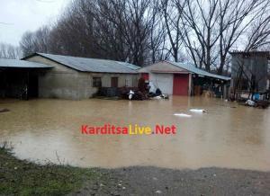 Εκκενώνεται οικισμός στην Καρδίτσα επειδή «φούσκωσε» το ποτάμι