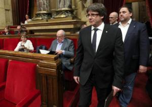 Αναβλήθηκε συνεδρίαση για τον διορισμό του Πουτζδεμόν ως επικεφαλής της καταλανικής κυβέρνησης μετά από απειλές του Ραχόι