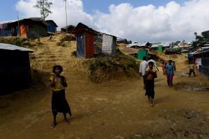Οι μουσώνες απειλούν χιλιάδες πρόσφυγες Ροχίνγκια – Άθλιες οι συνθήκες στους καταυλισμούς