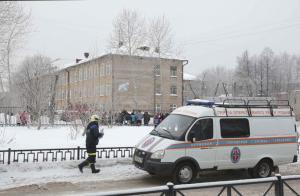 Τρόμος σε σχολείο! Νεαροί ξεκίνησαν καυγά με μαχαίρι, 12 τραυματίες [pics]