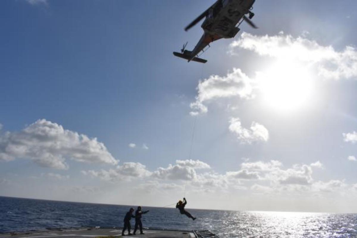 Η φρεγάτα ΛΗΜΝΟΣ  σε δράση στην Κυπριακή ΑΟΖ [pics] | Newsit.gr