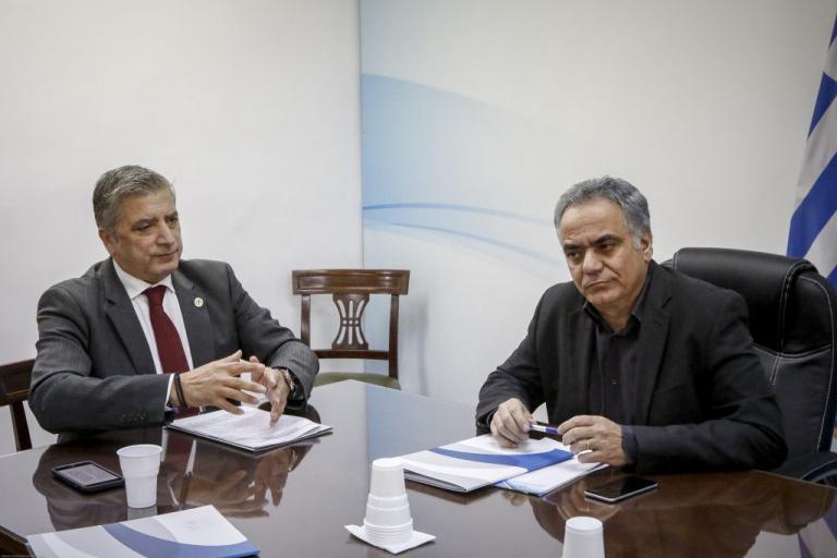 Ακόμα 500 προσλήψεις εξήγγειλε ο Σκουρλέτης σε Δήμους που… δεν είχαν κάνει αίτηση | Newsit.gr