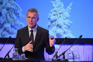 «Μήνυμα» Στόλτενμπεργκ προς την ΠΓΔΜ: Να είστε ρεαλιστές στο θέμα της ονομασίας