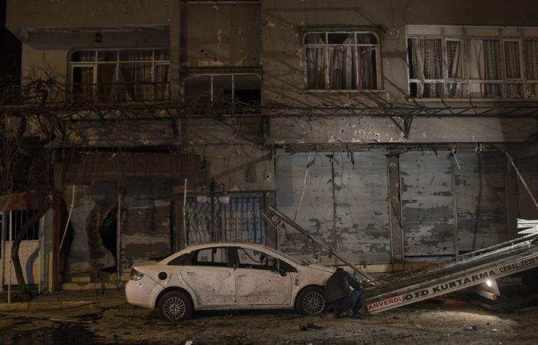 «Χάος» στην Συρία μετά από τις επιδρομές της Τουρκίας!   Newsit.gr