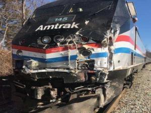 ΗΠΑ: Τρένο συγκρούστηκε με φορτηγό – Ένας νεκρός