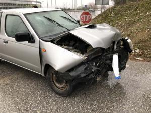 Λάρισα: Νέο τροχαίο με 3 τραυματίες – Η σύγκρουση αγροτικού με αυτοκίνητο σε διασταύρωση [pics]