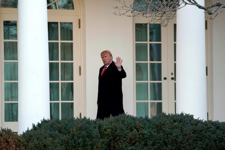 Μικρή «ανάσα» για Τραμπ – Το… μπαλάκι στη Γερουσία για τη χρηματοδότηση του κράτους