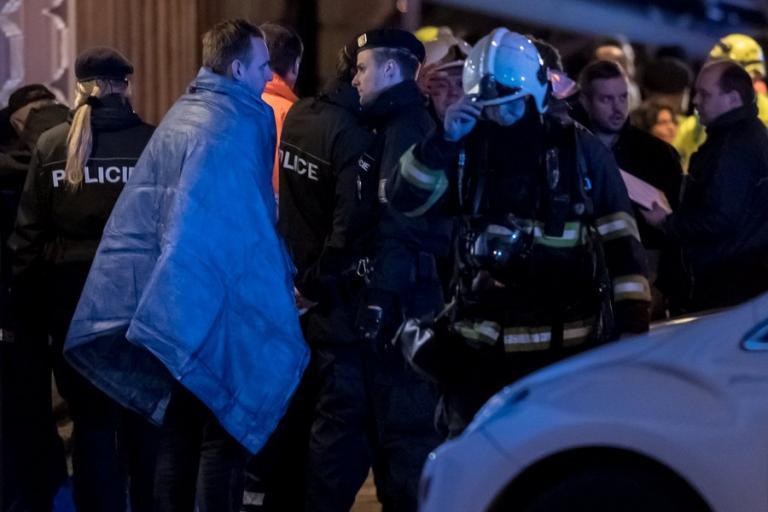 Τουλάχιστον 2 νεκροί και δεκάδες τραυματίες σε φωτιά που ξέσπασε σε ξενοδοχείο στην Πράγα | Newsit.gr