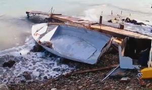Ναύπλιο: Η θάλασσα «κατάπιε» και κατέστρψε βάρκες – Εικόνες καταστροφής λόγω κακοκαιρίας [vid]