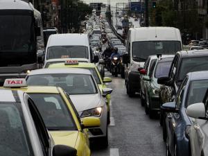 Η βροχή έφερε μποτιλιάρισμα – Αυξημένη κίνηση στους δρόμους