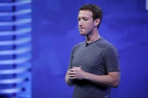 Κάτι… ψιλά κόστισε στον Ζούκερμπεργκ ο νέος τρόπος λειτουργίας του Facebook