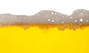 Ροφήματα και ποτά που ανεβάζουν το ουρικό οξύ – Ποια είναι τα πιο συνήθη