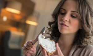 Δίαιτα: Απλά σνακ με 100 θερμίδες και κάτω για να σας κόβουν την πείνα [λίστα]