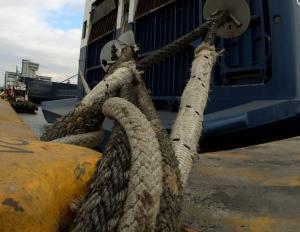 Δεμένα τα πλοία ανοιχτού τύπου στα λιμάνια Κέρκυρας και Ηγουμενίτσας λόγω του αέρα