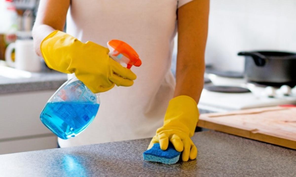 Κίνδυνος για τους πνεύμονες από τα καθαριστικά σπρέι! Μεγάλη έρευνα στην Ευρώπη | Newsit.gr