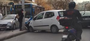 Λάρισα: Το τροχαίο που προκάλεσε κυκλοφοριακό – Οι στιγμές που δύσκολα θα ξεχάσει η οδηγός [pics]