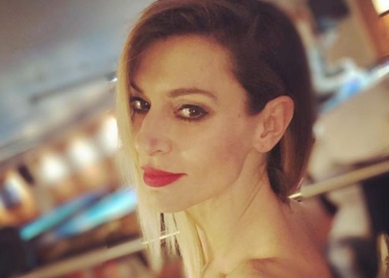 Ζέτα Δούκα: Πώς πέρασε το βράδυ στο σπίτι με την οικογένειά της! [pics] | Newsit.gr