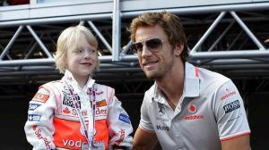 Η… επανάσταση συνεχίζεται στην F1! «Grid kids» αντί για σέξι μοντέλα