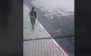 Ανατριχιαστικό βίντεο! Τζιχαντιστής θερίζει 5 γυναίκες σε εκκλησία της Ρωσίας