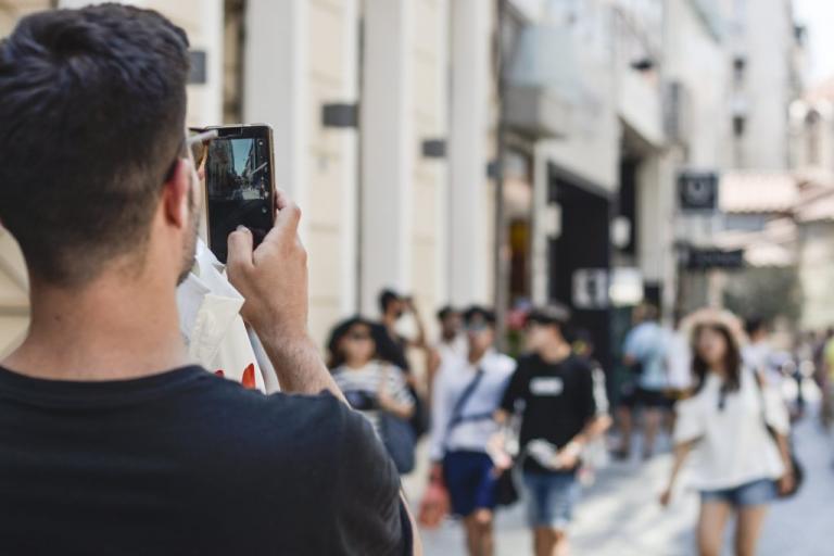 Κινητό τηλέφωνο: Φωτιά από τις αυξήσεις στα τιμολόγια – Πότε έρχονται ποιοι θα πληρώσουν παραπάνω | Newsit.gr