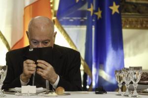 """""""Λυπάμαι πολύ"""" – Το sms του Αλέξη Τσίπρα στον Παπαδημητρίου και το παρασκήνιο της παραίτησης"""