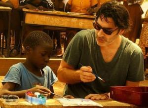 Χριστόφορος Παπακαλιάτης: Η συγκλονιστική εμπειρία του στην Αφρική! Ταξιδεύουμε μαζί του με φωτογραφίες και βίντεο
