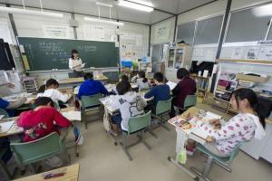 Υποχρεώνουν μαθητές να φορούν στολές Αρμάνι στην Ιαπωνία