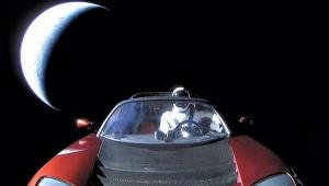 Space X: Πέρα από τον Άρη ταξιδεύει το διαστημικό αυτοκίνητο Tesla