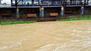 Τρίκαλα: Υπερχείλισε ο Ληθαίος ποταμός – Φόβοι για περαιτέρω επιδείνωση τις επόμενες ώρες [pic, vid]