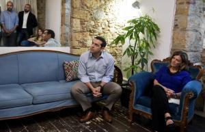 Το τηλεφώνημα Τσίπρα – Αντωνοπούλου πριν την απομάκρυνσή της από την κυβέρνηση