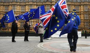 Τελικά Brexit η… Bremain; Σενάρια για παραμονή της Βρετανίας στην Τελωνειακή Ένωση