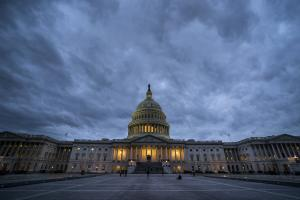 ΗΠΑ: Παραμένει το λουκέτο γιατί… όλοι χάνουν τις προθεσμίες