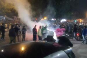 Χανιά: Νύχτα έντασης με προσαγωγές – Έπεσαν μέχρι χειροβομβίδες κρότου λάμψης από αστυνομικούς [pics]