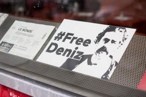 Τουρκία: Ελεύθερος ο Γερμανός δημοσιογράφος Ντενίζ Γιουτζέλ
