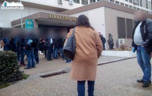 Κοζάνη: Ένταση και λιποθυμίες στη δική για τη δολοφονία του ταξιτζή