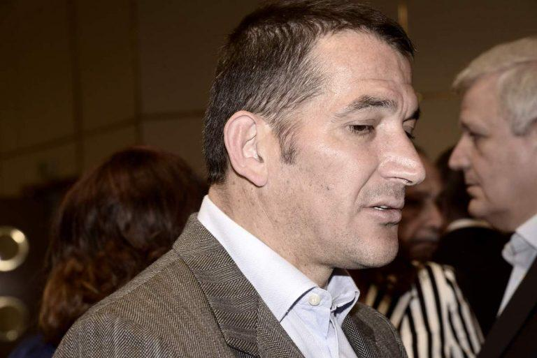 Υποκλίθηκε στον Γιάννη Αντετοκούνμπο ο Πύρρος Δήμας! | Newsit.gr