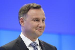 Πολωνία: Ο πρόεδρος θα υπογράψει τον νόμο που διαγράφει τα εγκλήματα των συνεργατών των ναζί