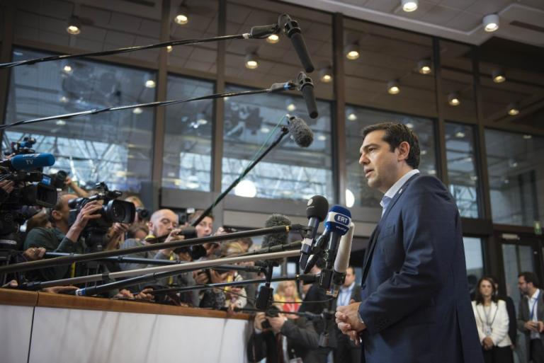 Financial Times: Η αναβάθμιση από τον Fitch δείχνει ότι εδραιώνεται η ανάκαμψη στην Ελλάδα