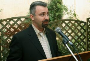Ξεκίνησε η δίκη του πρώην επικεφαλής της ΜΚΟ «Αλληλεγγύη»
