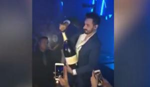 Viral το βίντεο με τον άνδρα που έσπασε μπουκάλι με σαμπάνια αξίας 42.440 δολαρίων
