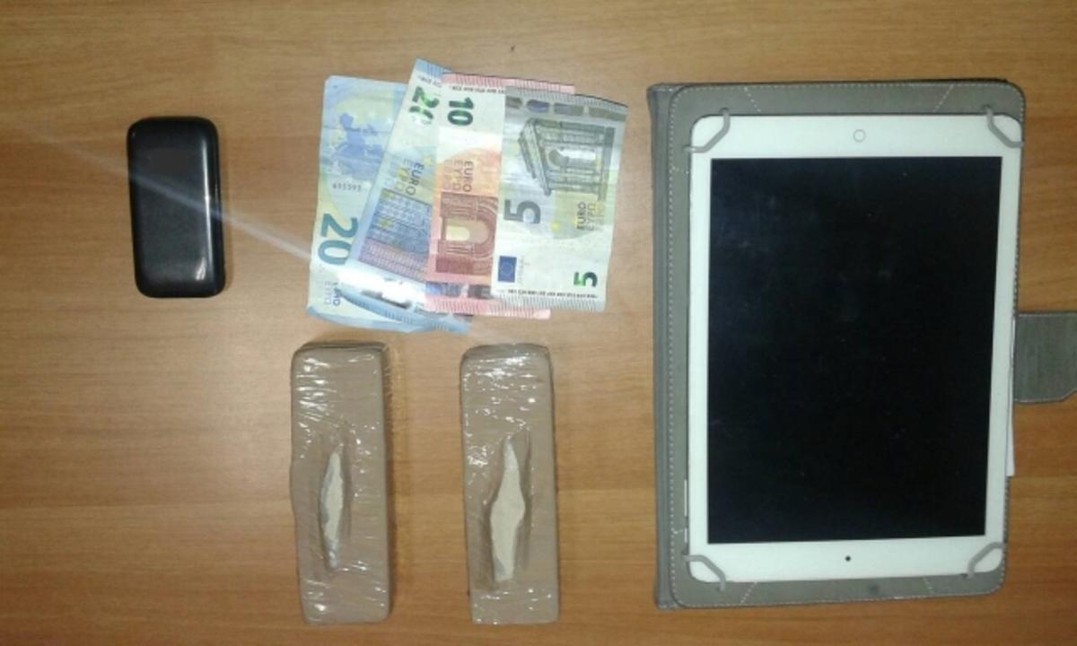 Κρήτη: Την έπιασαν πριν «μοιράσει» την ηρωίνη | Newsit.gr