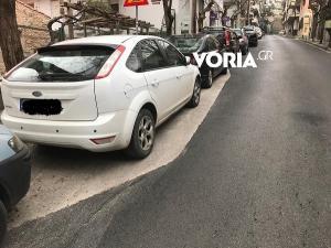 Θεσσαλονίκη: Ξανά τα ίδια – Ασφαλτόστρωση μόνο όπου δεν υπήρχαν παρκαρισμένα αυτοκίνητα [pics]